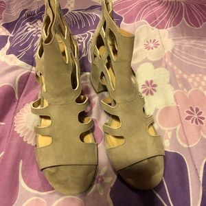 Shoes - EUC Taupe Suede Caged Sandals